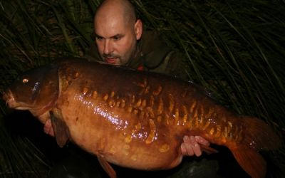 Aidrian Hunt with a new PB The Woodcarving - 43lb 3oz