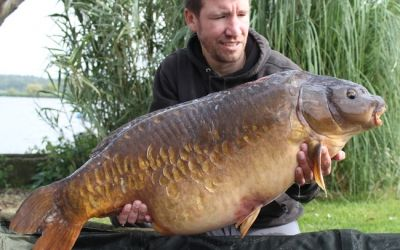 Matthew Hughes with The Woodcarving - 41lb 4oz