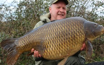 Barry O'Connor witha new PB Common - 37lb 4oz