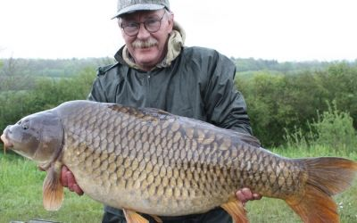 Steve Bell with The Mommon - 42lb 8oz